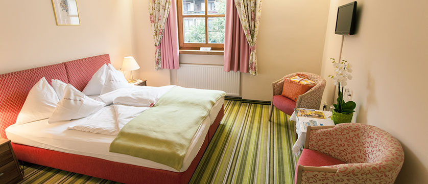 Hotel Kolmhof, Bad Kleinkirchheim, Austria - double bedroom.jpg